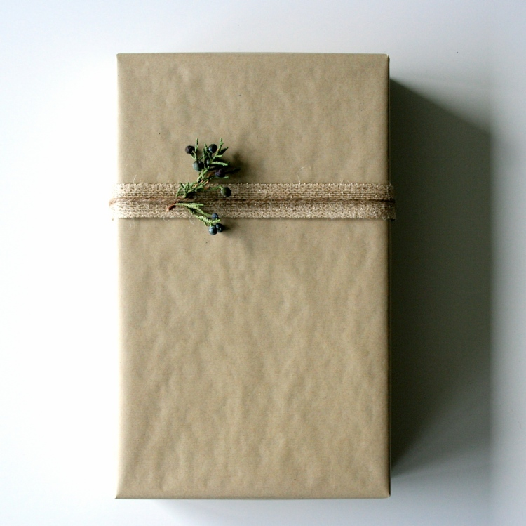 simple Christmas wrapping by {OH} Victoria
